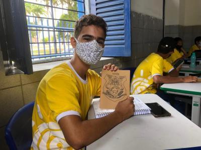 Projeto Vozes Daqui: Encerra oficinas literárias e promove melhorias em unidades escolares