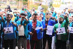 Mahasiswa Gelar Aksi Mosi Tak Percaya Terhadap PLT. Gubernur Aceh dan DPRA
