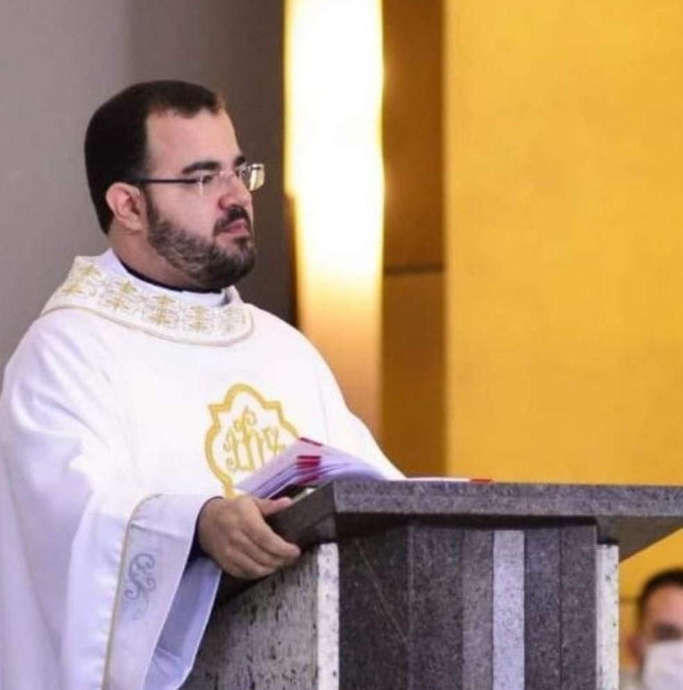 Padre de 28 anos morre de Covid-19 em Catanduva