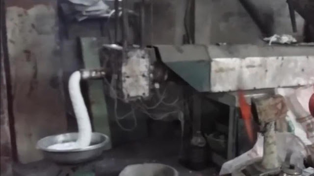 Chết dưới tay đồng bào - Tiếp tay cho hàng độc hại Trung Quốc từ biên giới tuồn vào Việt Nam 2
