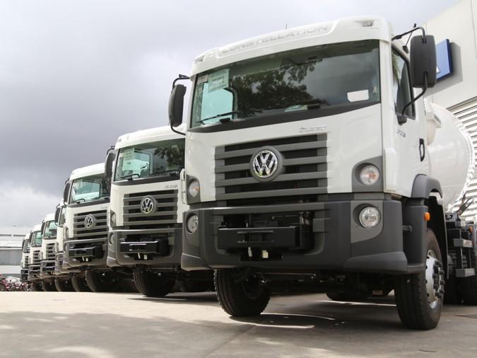 Volkswagen fornece nove caminhões para reforçar a construção civil no Paraguai