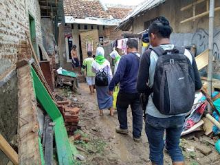 Sejumlah Elemen Masyarakat Dukung Kegiatan YANU  Berbagi Nasi 150 Bungkus Untuk Warga Terdampak Banjir