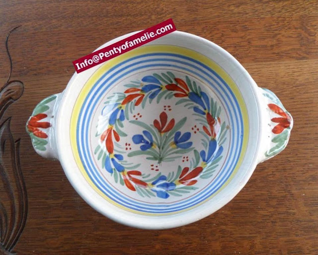 tiny flowers faience lug bowl. Floral design from antique artistic pottery of Malicorne located in France