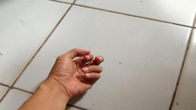Material lantai keramik cocok untuk iklim di Indonesia