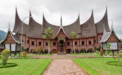 Budaya Lokal di Indonesia Minangkabau
