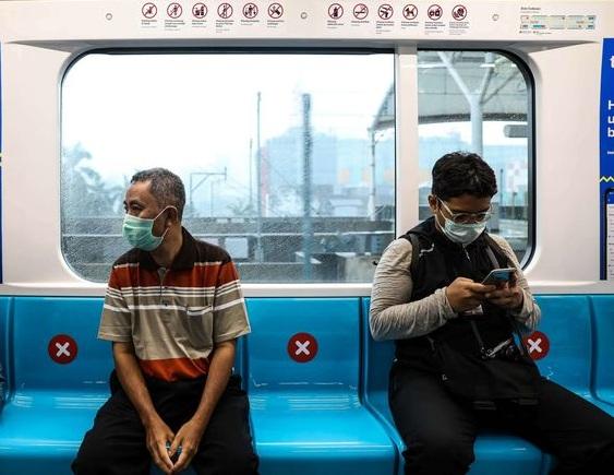 Cegah penularan virus corona di transportasi umum