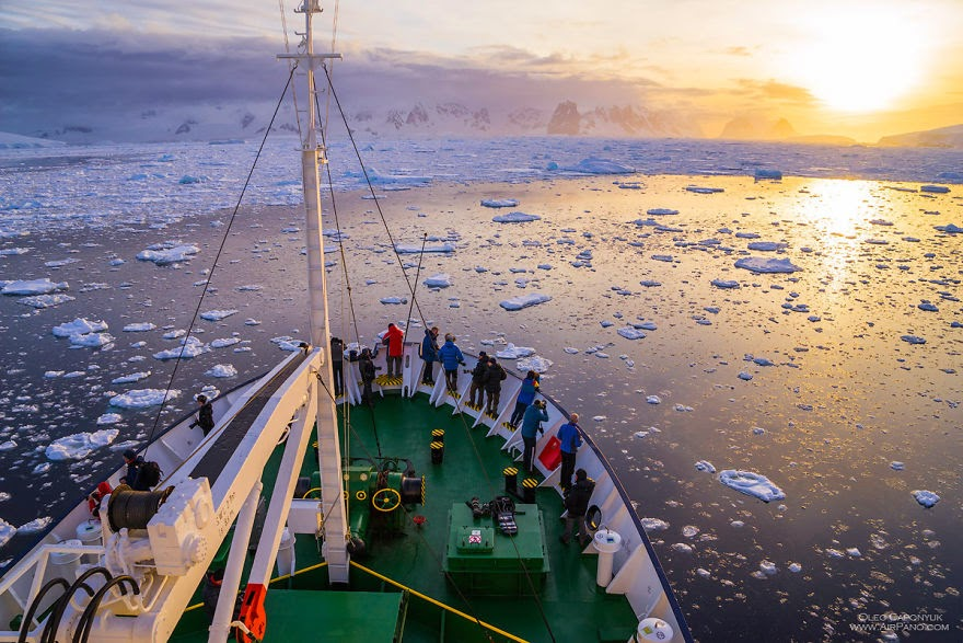 On deck - Cold Yet Beautiful Photos Of Antarctica Taken By AirPano