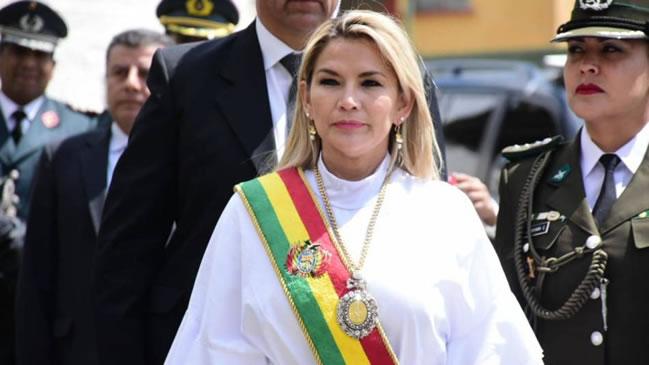 """Gobierno de Áñez: Sucesión constitucional en FACILITO para """"Pititas"""" y """"Masistas"""""""