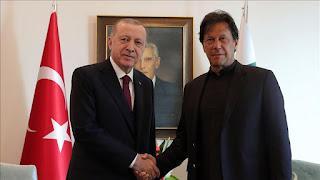 عمران خان: نقف إلى جانب تركيا ضد الهجمات التي تتعرض لها في سوريا