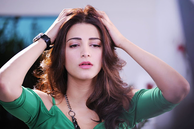 Shruti Hassan in Luck Movie