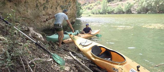 bertin osborne en kayak en el rio duraton