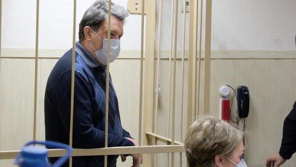Официально мэр Томска и так считается самым обеспеченным градоначальником Сибири – в 2019 г. декларированный доход семьи Кляйнов составил более 400 млн. рублей