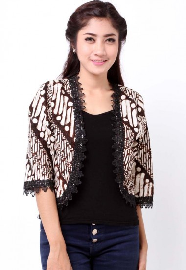 10 Blazer Batik Wanita Modern untuk Anak Muda  13531058aa