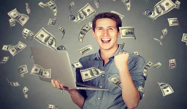 Salário em TI no Brasil chega a R$720 mil ao ano. Veja para quem