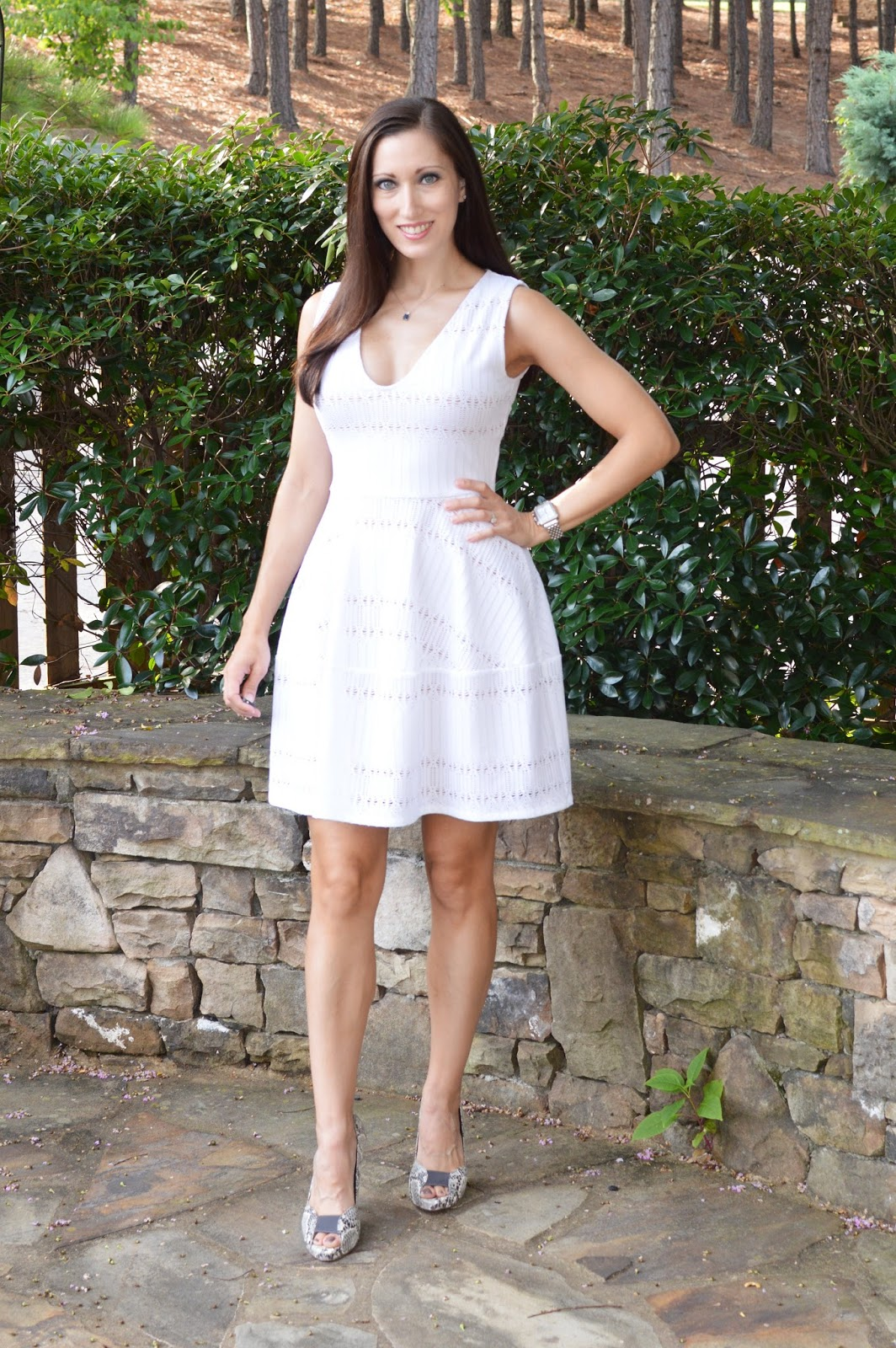 a25a77faff2 Everyday Fashionista - Atlanta Blogger  Doily of a Dress