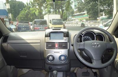 Interior Toyota Rush Edisi Kedua dan Ketiga