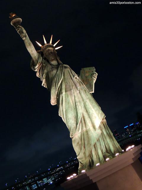 Estatua de la Libertad en Odaiba, Tokio
