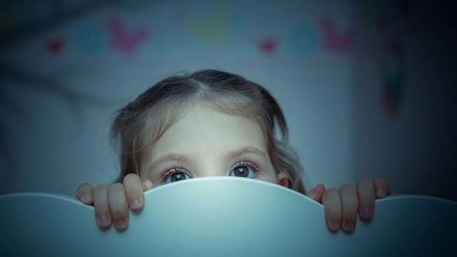 Τι να κάνετε εάν το παιδί φοβάται το σκοτάδι