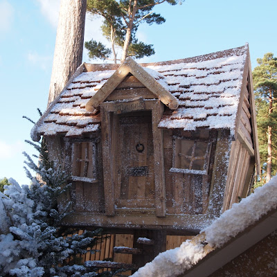 Lapland UK Review - An elf house