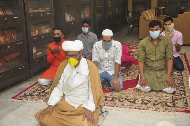 बकरीद के पर्व पर मुसलमानों ने घरों पर अदा की नमाज़ | #NayaSaveraNetwork
