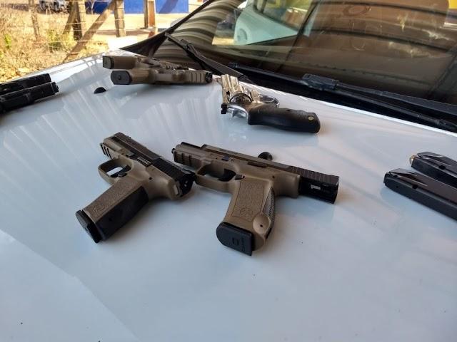Santa Terezinha de Itaipu: Suspeito é preso com 52 armas de fogo escondidas em tanque de combustível de carro