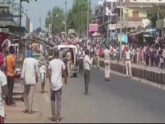 Hundreds of migrant workers clash with police in Surat; 60 arrested