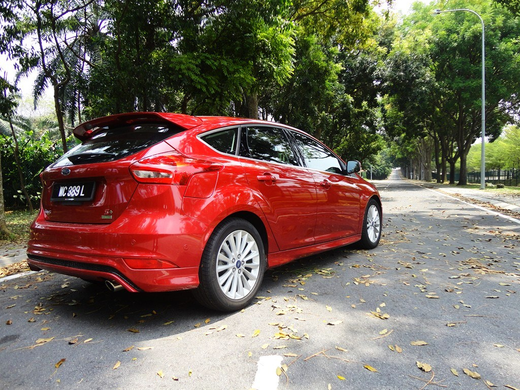 motoring malaysia test drive 2016 ford focus 1 5. Black Bedroom Furniture Sets. Home Design Ideas