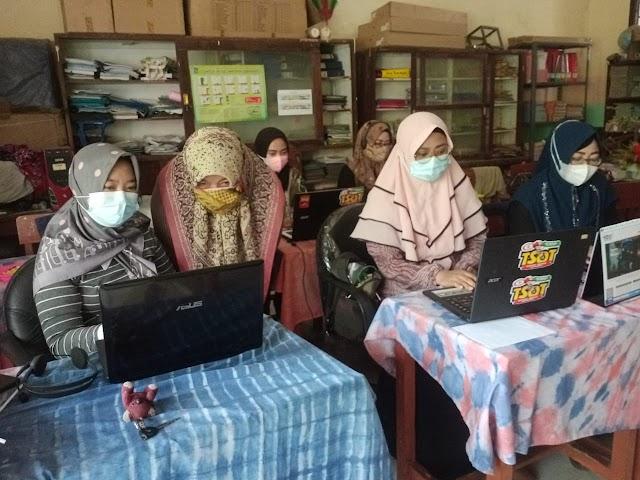 Manfaatkan Akun Pembelajaran belajar.id Untuk Tingkatkan Kompetensi Di SMP PGRI 6 Surabaya