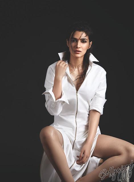 69 Hot Pics of Kriti Sanon Navel Queens