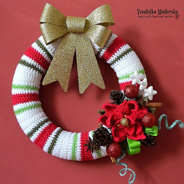 Christmas Wreath Magic With Hook And Needles