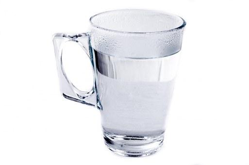 Selain Untuk Menghindari Dehidrasi, Ini Manfaat Lain dari Minum Air Putih Minimal 8 Gelas Sehari