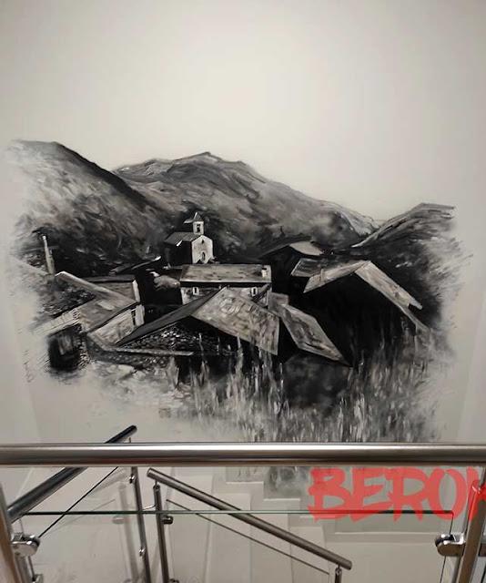 graffiti interior escalera