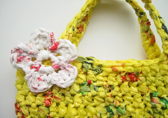 https://blog.etsy.com/en/2010/how-tuesday-how-to-make-plarn-crochet-an-eco-friendly-tote-b/