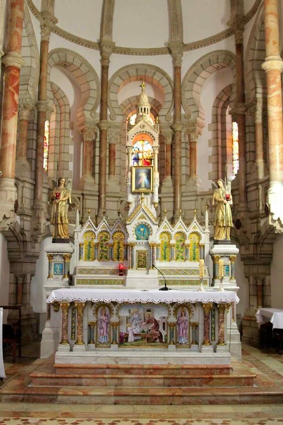Altar-mor do carmelo de Belém fundado por Santa Maria de Jesus Crucificado