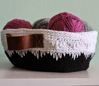 http://translate.googleusercontent.com/translate_c?depth=1&hl=es&rurl=translate.google.es&sl=auto&tl=es&u=http://www.persialou.com/2014/04/geometric-crochet-basket-pattern.html&usg=ALkJrhhNi2tgU0U5QxyvaJsdEwEU8tcuFg