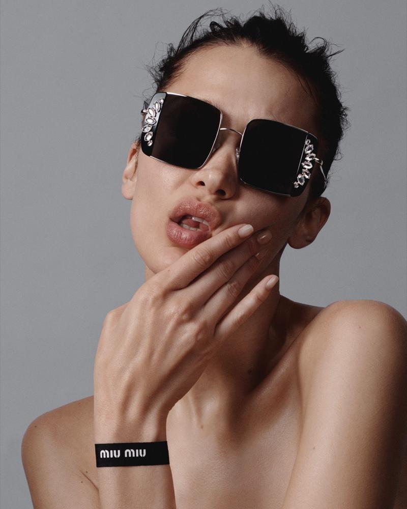 Miu Miu unveils spring-summer 2020 eyewear campaign.