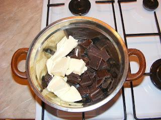 unt si ciocolata la baine marine, preparare creme de ciocolata pentru prajituri deserturi si dulciuri de casa,