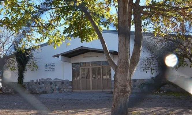 """Alumnos de la Escuela 1-505 """"María Dolores de Bustos"""" agradecieron a los profesionales de la Salud"""