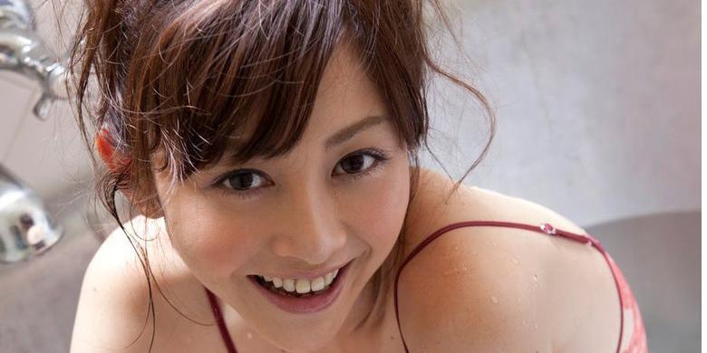 Mengapa Banyak Wanita Jepang Menjadi Artis Film Porno?