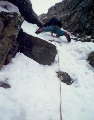 Escalando el corredor María Luisa en cima Zarrambuchos, Partacua