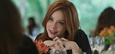 Valéria (Bia Arantes) convidou a amiga Camila (Anaju Dorigon) para viajar e clima vai surgir