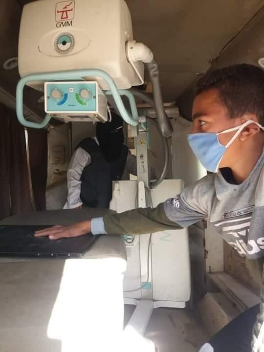 الكشف وتوفير العلاج لـ 1158 مواطن بمركز الفشن ببنى سويف