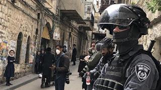 Haredi enfrentam polícia por restrições do coronavírus