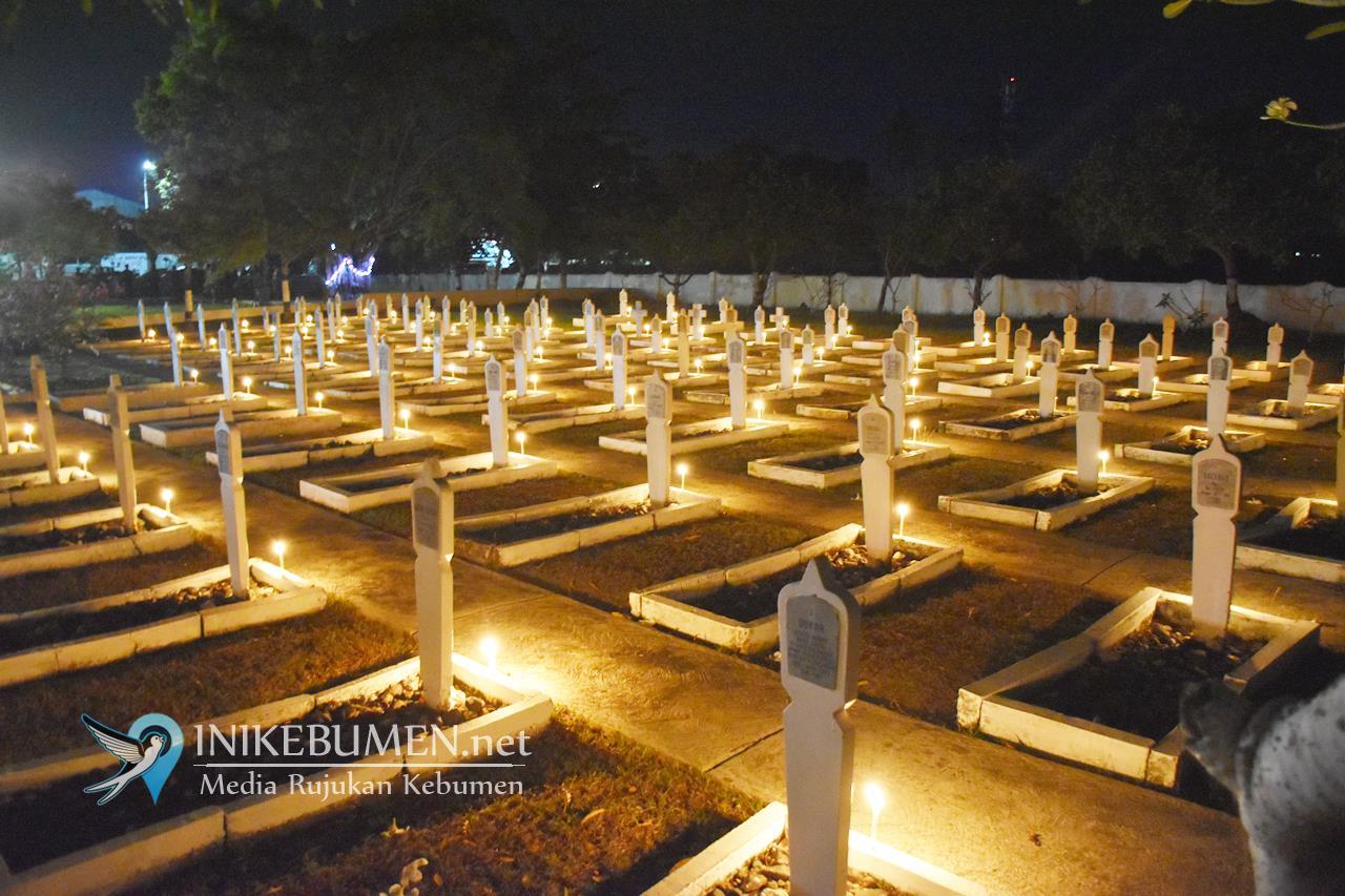 Malam Renungan Suci, Gus Yazid Kenang 97 Pahlawan di TMP Kebumen