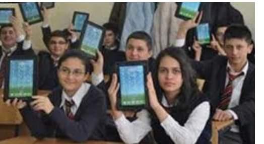 التربيه والتعليم تسليم 600 ألف طالب بأولى ثانوى أجهزة التابلت دون ارتباط بسداد المصروفات