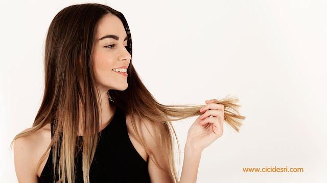 obat rambut rontok, penyebab rambut rontok, cara mencegah rambut rontoh, rambut rontok parah, cara mengatasi rambut rontok, masker rambut rontok, merawat rambut rontok, bahan alami mengobati rambut rontok, rambut rontok setelah melahirkan, perawatan rambut rontok yang tepat