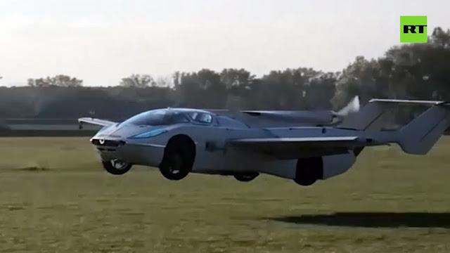 Presentan Aircar, un auto volador que permitirá evadir los atascos
