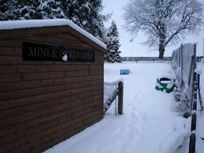 Mini & Crazy Golf in Wardown Park, Luton