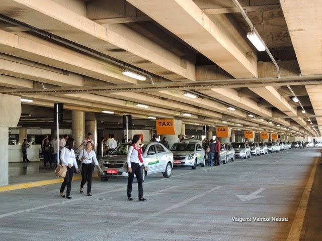Fila de taxi no aeroporto de brasilia