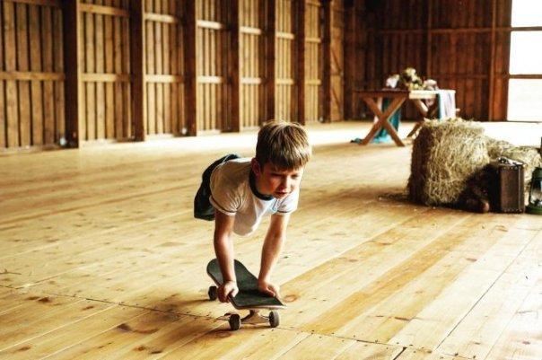 Мальчик без ног в 10 лет стал профессиональным скейтбордистом